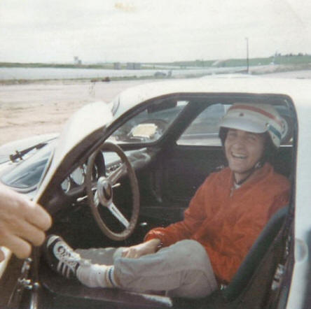 Douglas after his first drive in a Porsche 904
